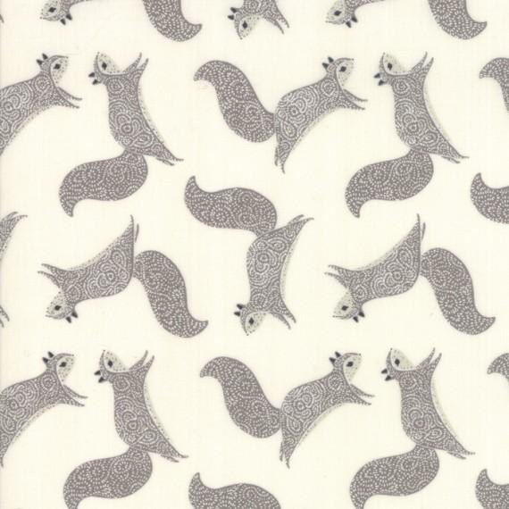 """Moda """"Bramble"""" - Squirrels - cream and grey"""