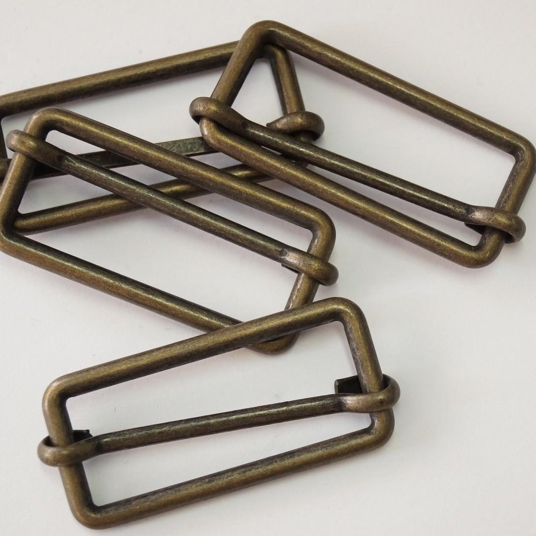 Metallschließe messing matt 30mm