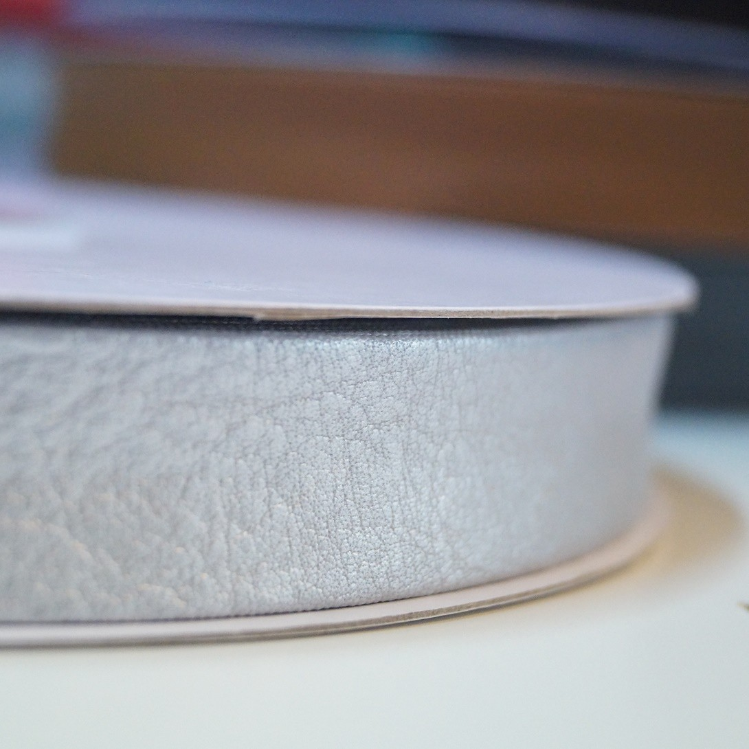 Leder Schrägband silber