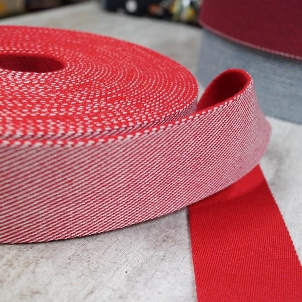 Feingestreiftes Gurtband 40mm breit - rot-weiß